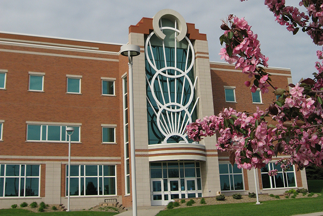 Bismarck State College accepts students for Spring 2016 - image