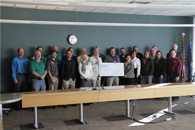 Hess Corporation presents donation to BSC