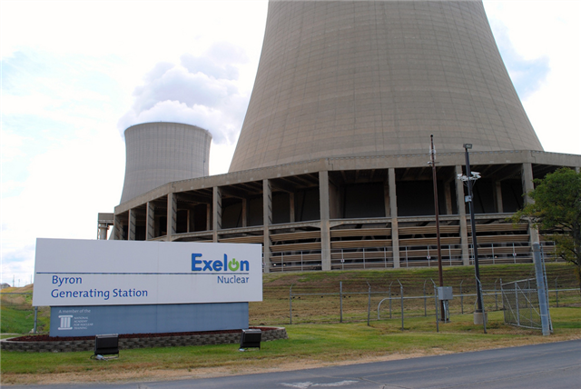 Illinois governor signs energy bill to help Exelon nuclear plants